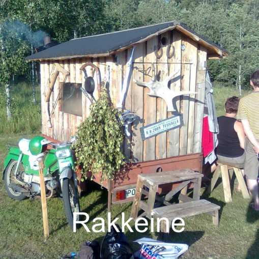"""""""Kevytvetoinen sauna, joka on parhaimmillaan järven rantaan vedettynä."""" Rakkeine, Kopsa."""