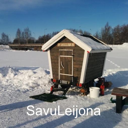 """""""Pyörillä kulkeva 2015 valmistunut savusauna."""" SavuLeijona, Seinäjoki."""